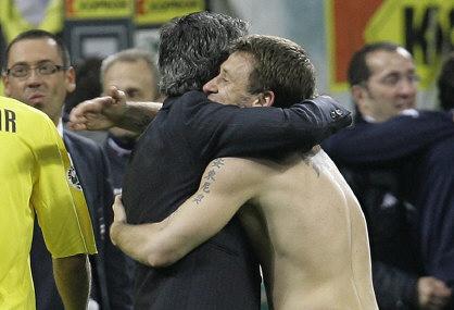 http://images.alice.it/sg/sportuni/upload/mou/0008/mourinho_cassano1.jpg